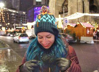primeira neve em berlim feira de natal gedachtniskirche