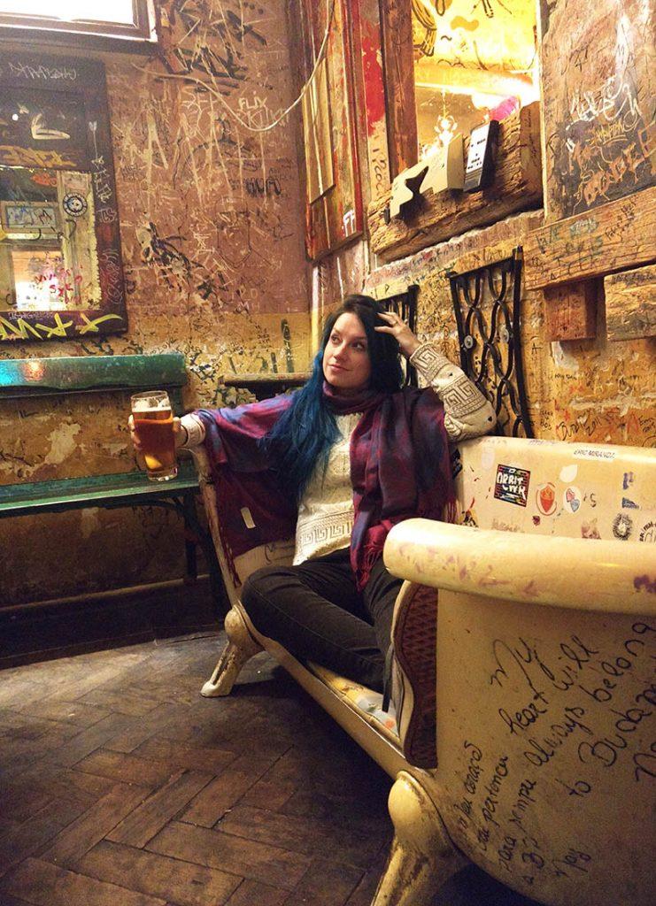 banheira sofa bar budapeste szimpla