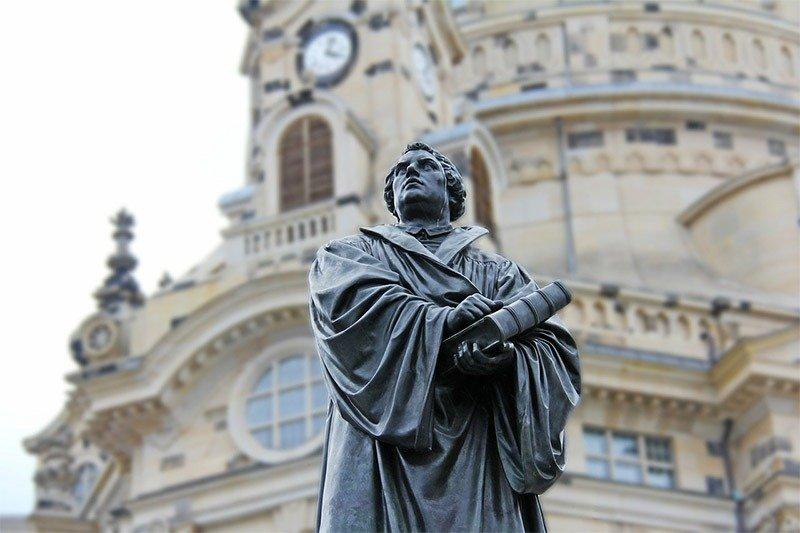 estatua martinho lutero dresden