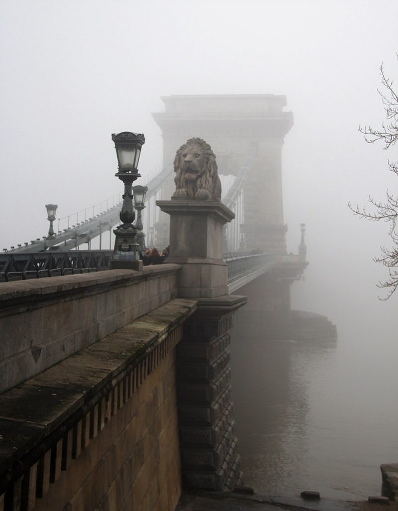 ponte dos arcos budapeste com eneblina