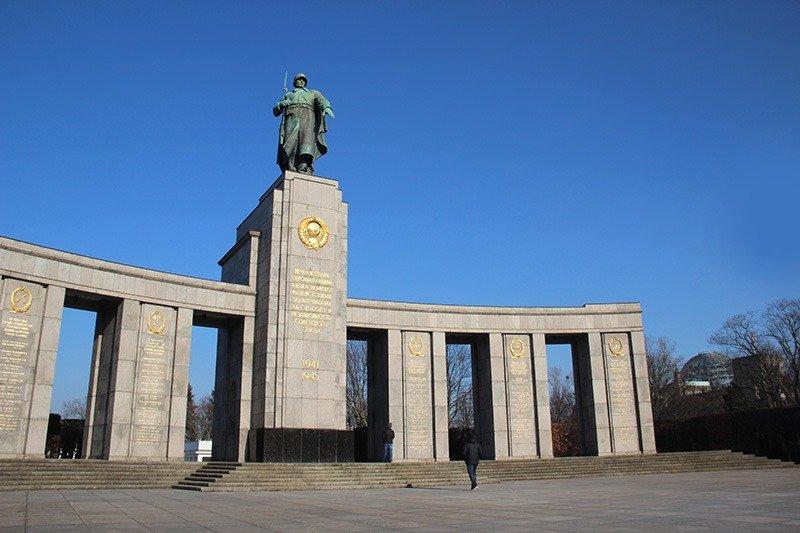 memorial sovietico berlim unter dem linden