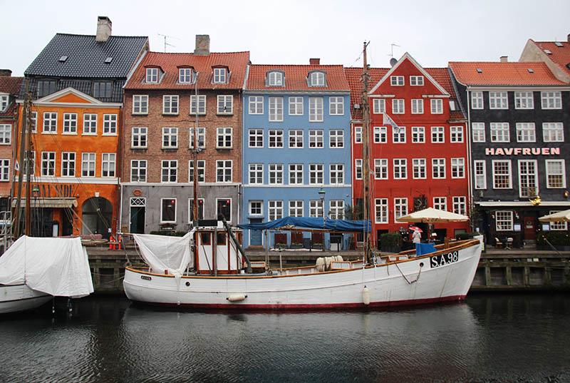 nyhavn pontos turisticos em copenhagen dinamarca