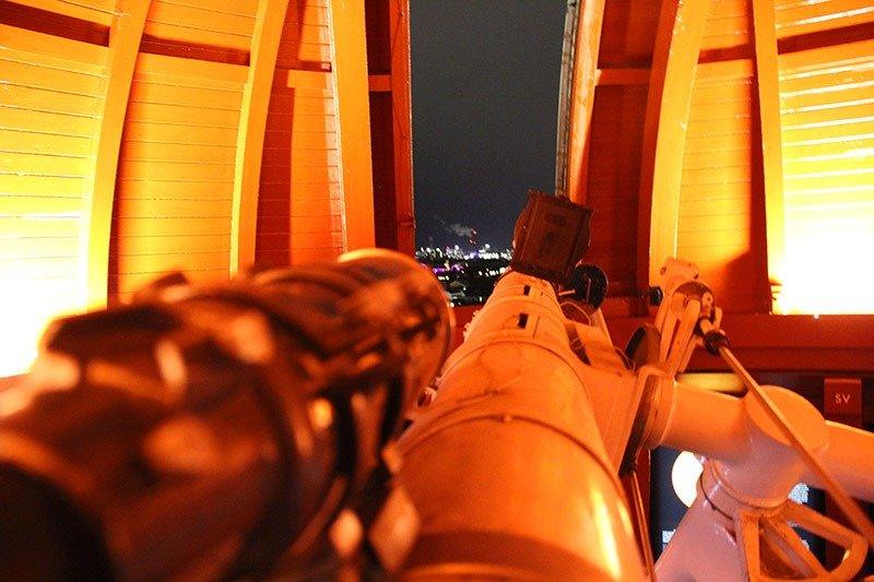 telescopio torre redonda copenhagen estrelas