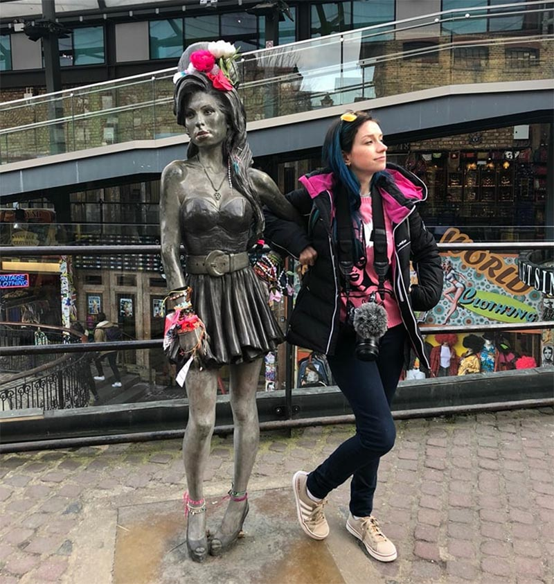 estatua amy winehouse camden town