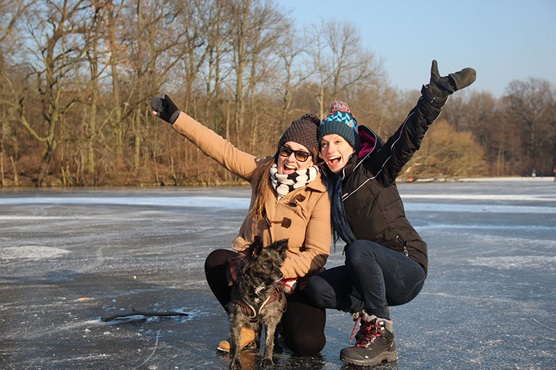 lago congelado berlim europa inverno