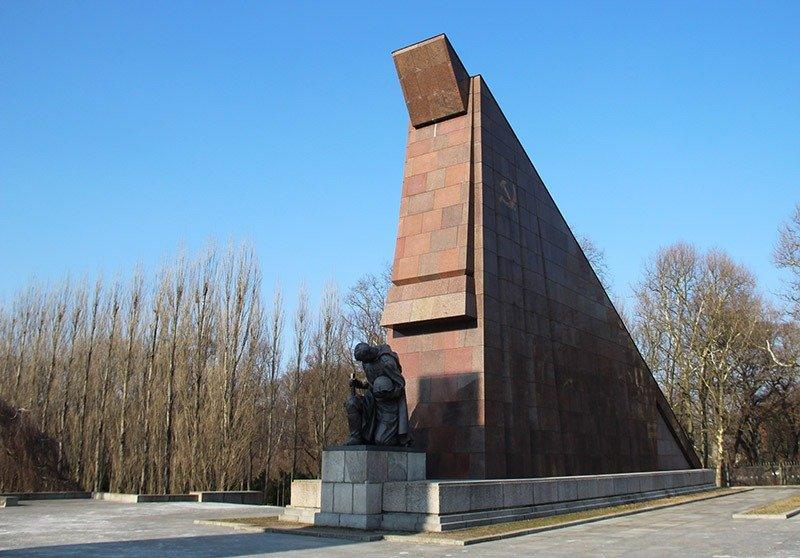 roteiro alternativo em berlim memorial sovietico