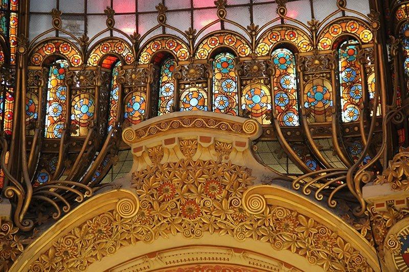 detalhes arquitetura Galeries Lafayette Paris turismo