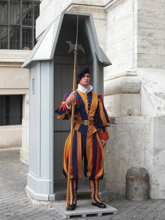 guarda do papa uniforme suica