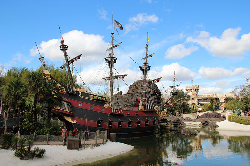 navio pirata disneyland paris