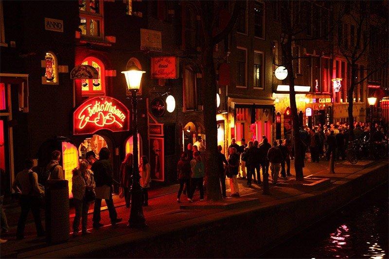 red lights district amsterdam prostitutas
