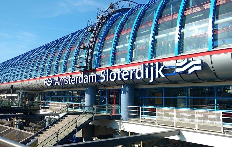 estacao de trem rodoviaria de amsterdam