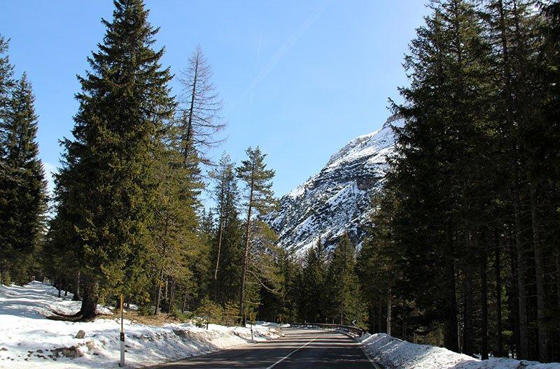 estrada italia dolomitas lago di braies