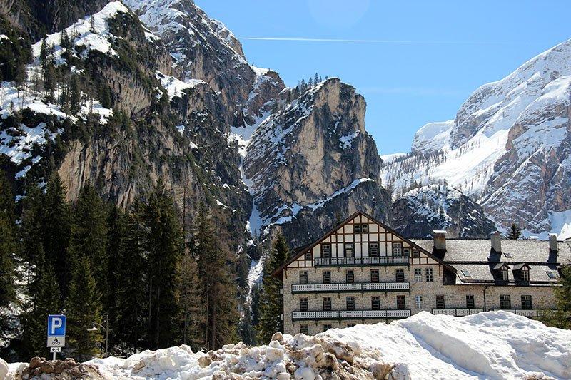 hotel lago di braies italia dolomitas