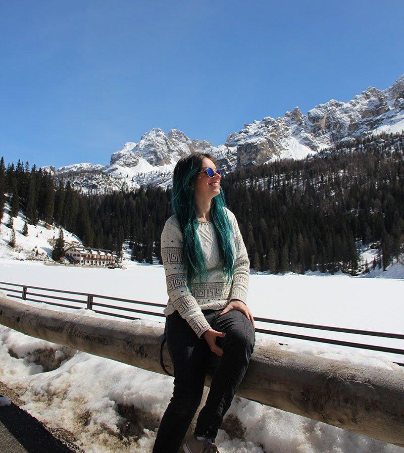 lago misurina congelado dolomitas italia