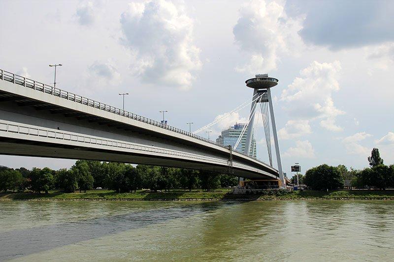 ponte bratislava ufo tower