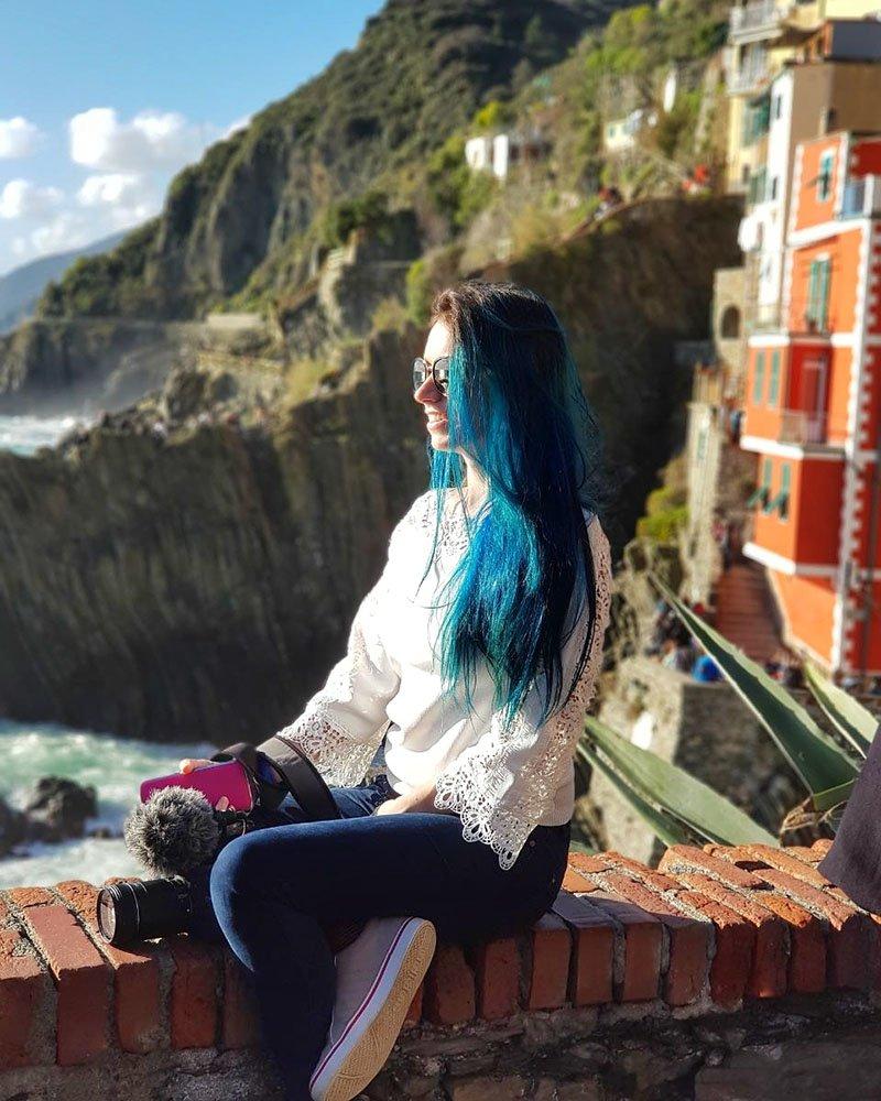 riomaggiore vista penhasco casas coloridas italia