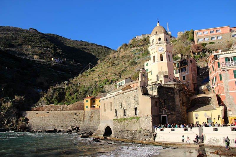 verazza igreja dicas de cinque terre italia