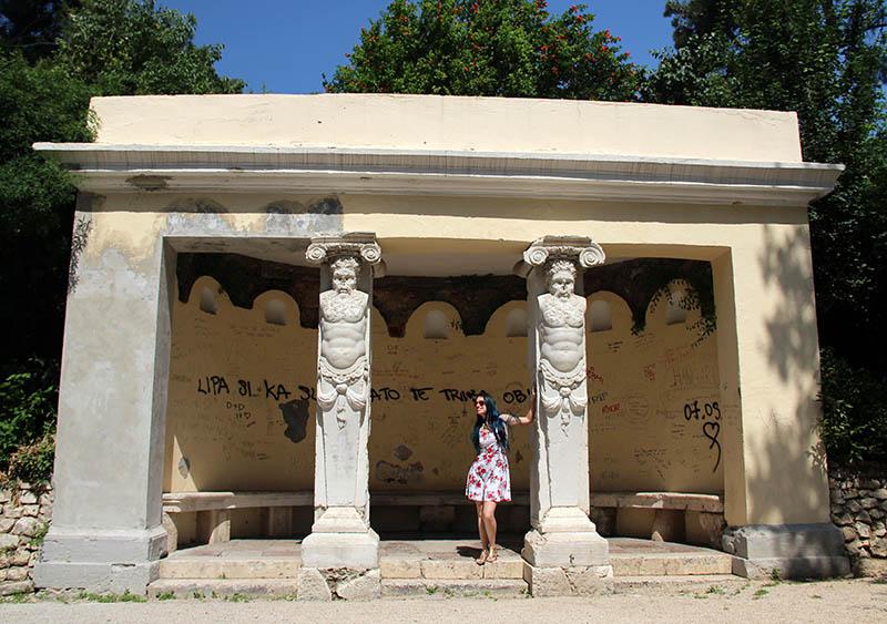 colunas no parque rainha jelena zadar