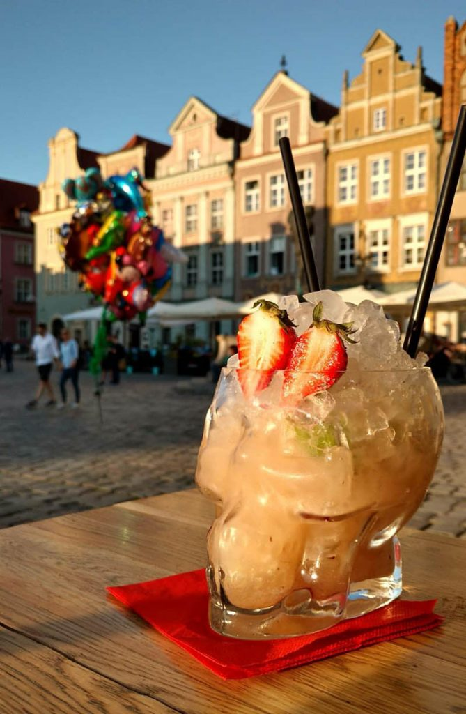 drink caveira copo centro poznan polonia