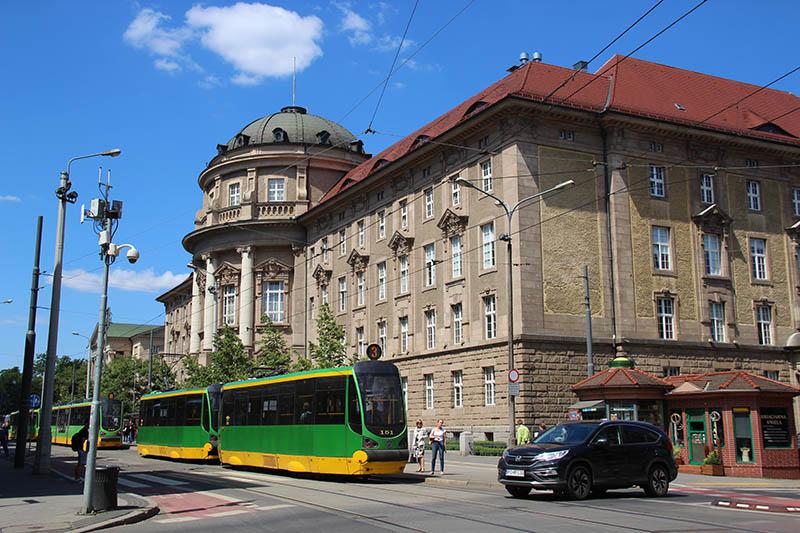 o que ver em poznan polonia transporte publico