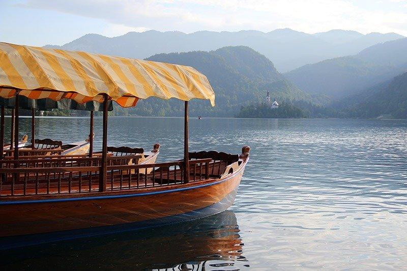 barco pletna lago o que fazer em bled eslovenia