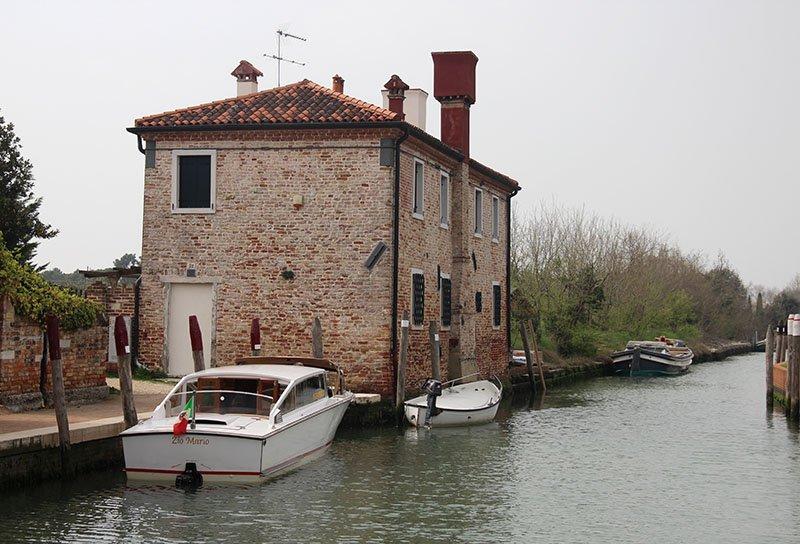 barcos em torcello turismo em veneza