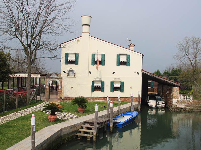 casa restaurante em torcello garagem de barco
