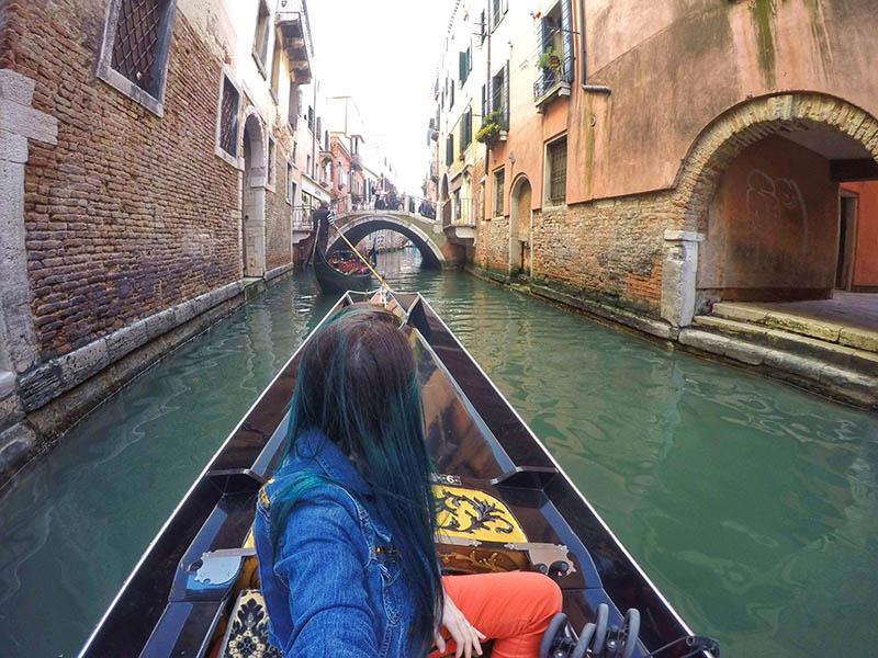 como e o passeio de gondola em veneza vale a pena