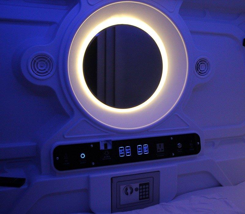 dentro hotel cápsula para dormir croacia