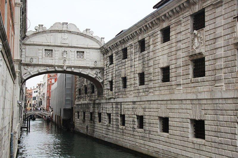 dicas de veneza turismo ponte dos suspiros