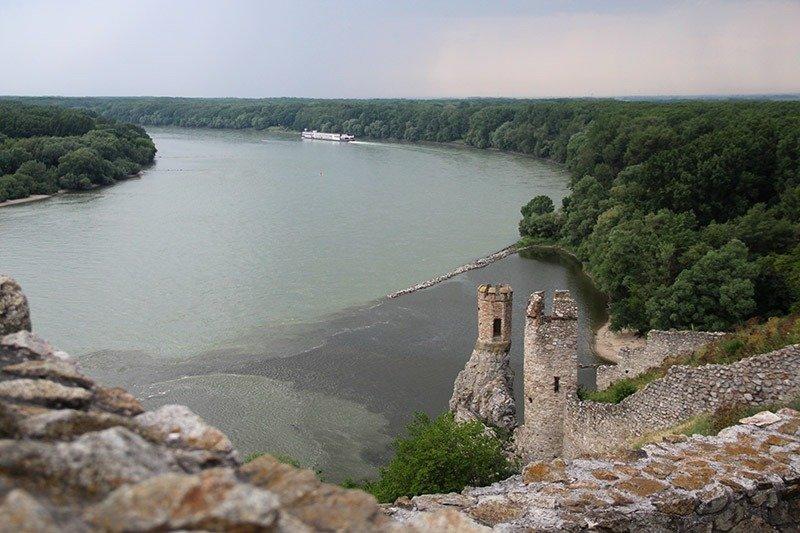 encontro rios danubio e morava castelo devin bratislava