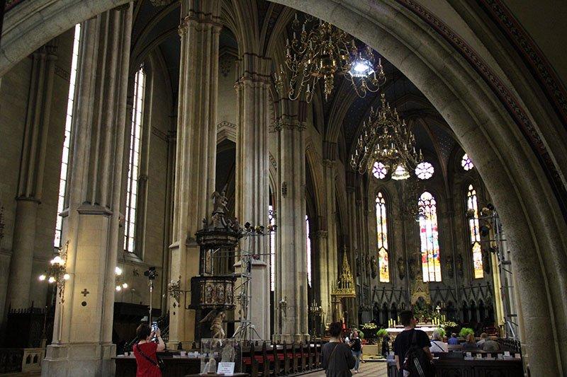 interior catedral zagreb roteiro