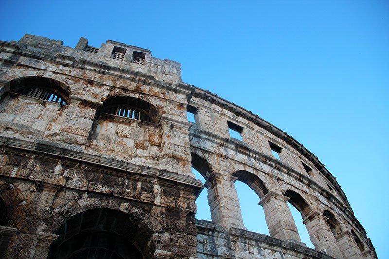 ruinas romanas coliseu pula croacia