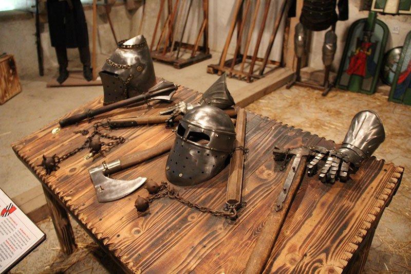 sala das armas castelo na eslovenia predjama