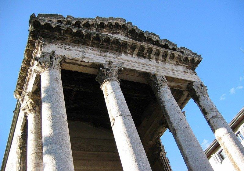 templo de augusto o que fazer em pula