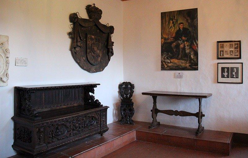 tour no castelo predjama eslovenia