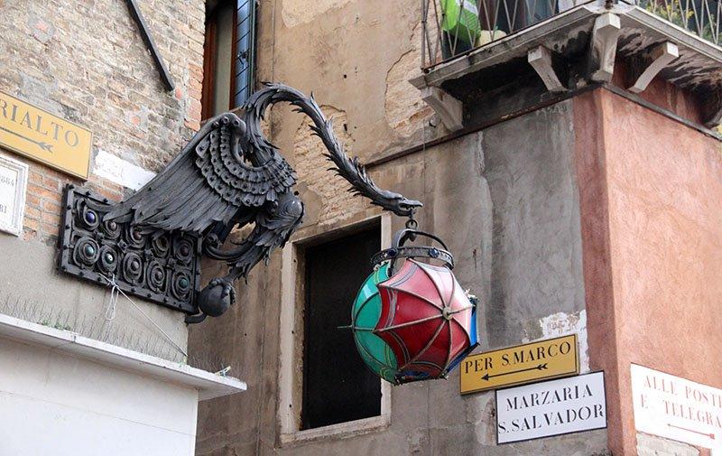 transporte em veneza dicas seguir as placas