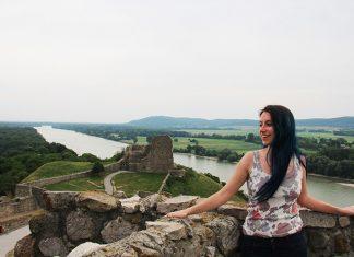 vista do topo do castelo devin ruinas bratislava