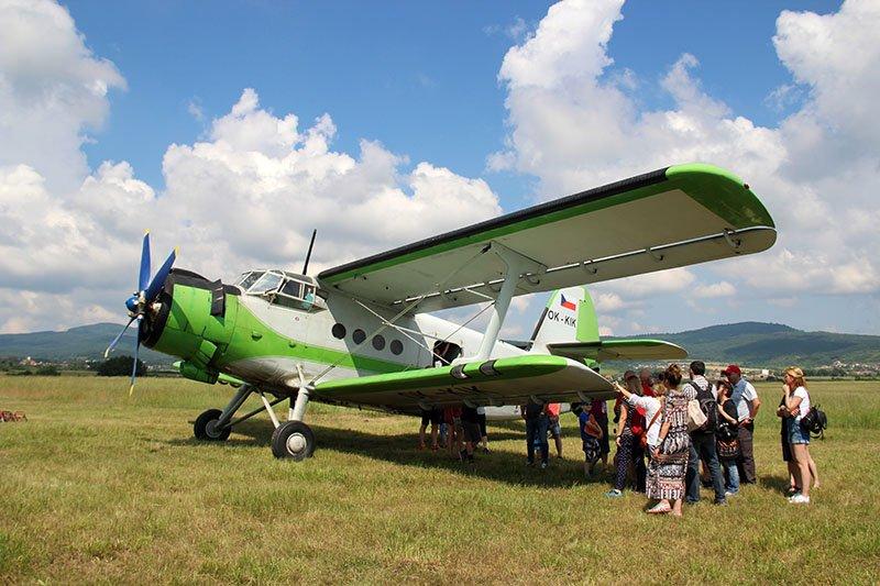 aviao comunista na bratislava eslovaquia