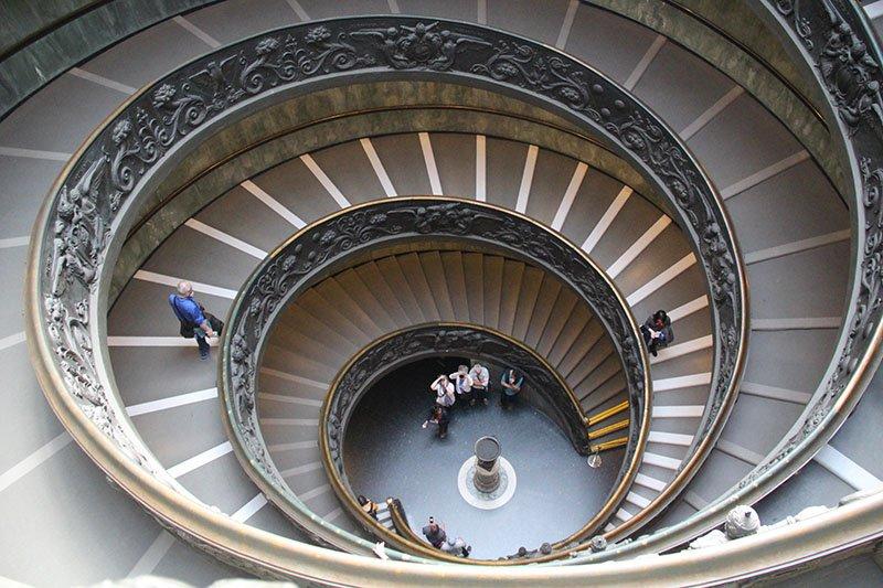 escada rampa vaticano ilusao de otica