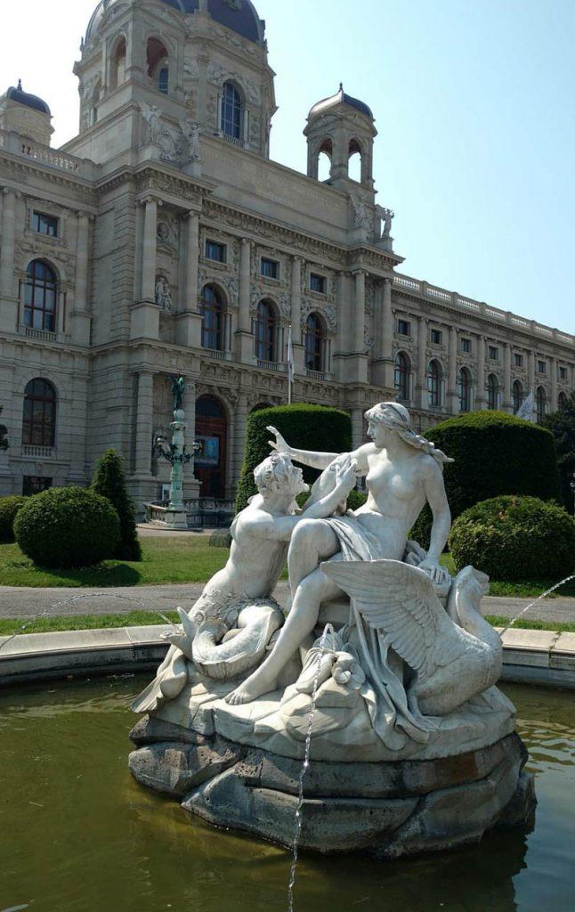 estatua museu maria theresien platz viena