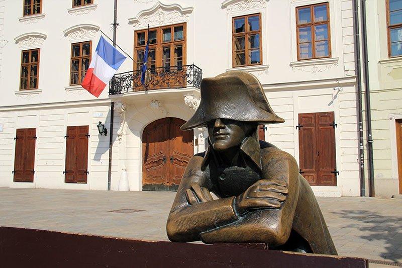 estatua napoleao bratislava dicas