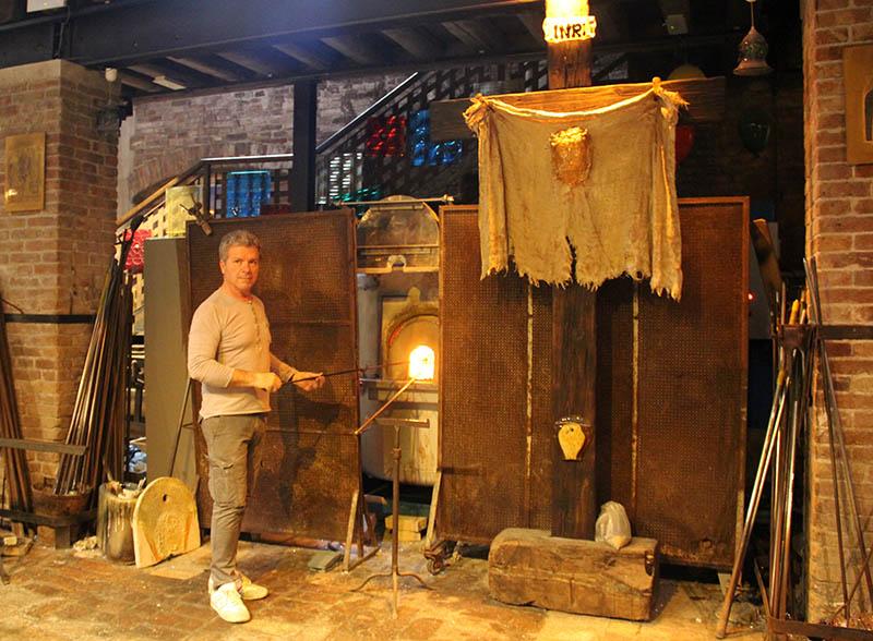 etapas da producao de pecas em vidro artesanal murano italia