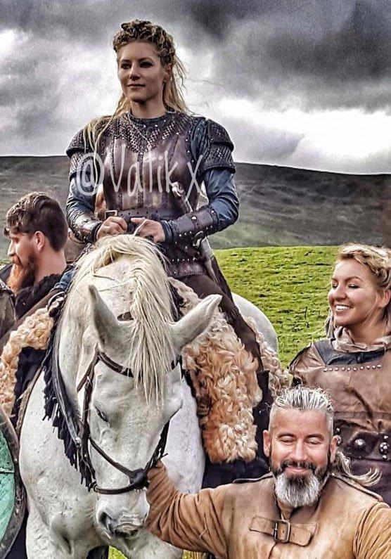 lagertha no cavalo gravacoes de vikings