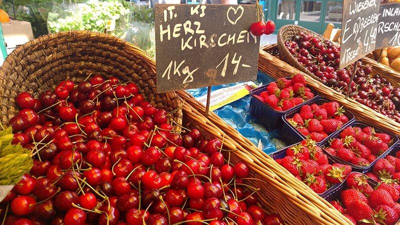 naschmarkt mercado municipal viena cerejas