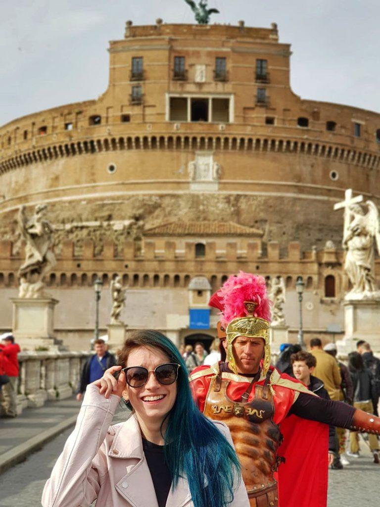 castello sant angelo e gladiador em roma