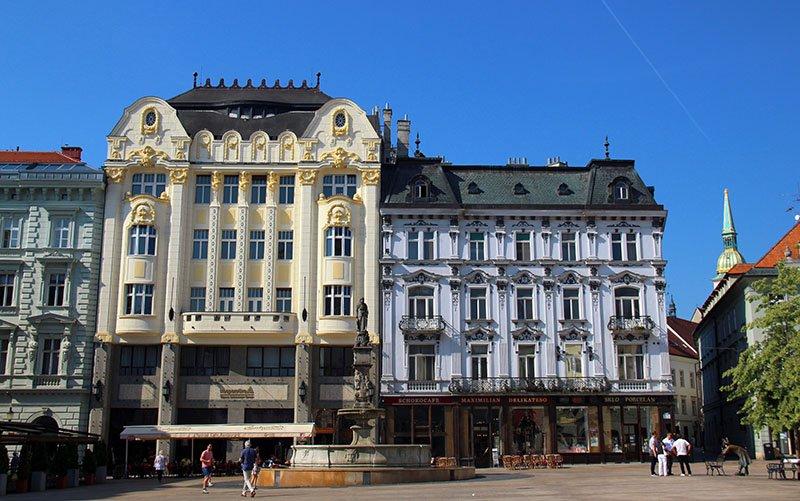 praça principal bratislava eslovaquia arquitetura