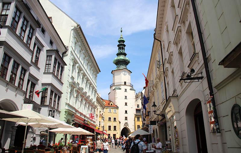 torre centro bratislava eslovaquia lojas