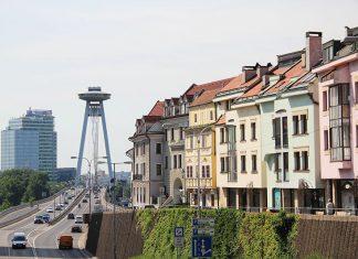 torre ufo casinhas coloridas bratislava eslovaquia