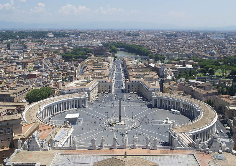 vaticano visto da cupula de sao pedro